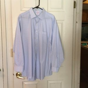 Brooks Brothers Traditional Fit 17-34 dress shirt